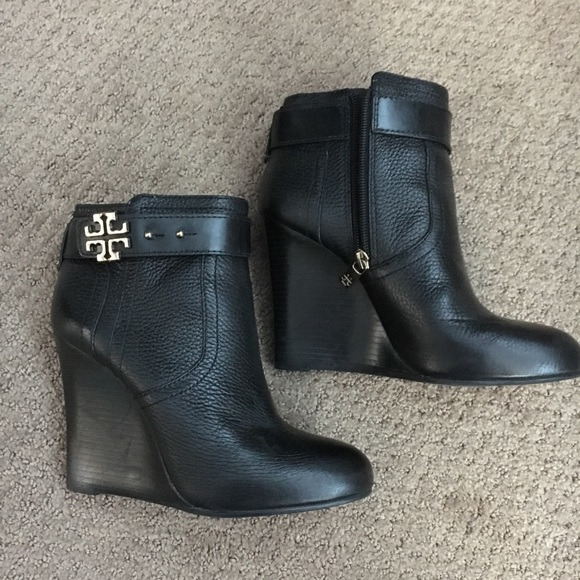 Tory Burch Black Wedge Boots Size 65